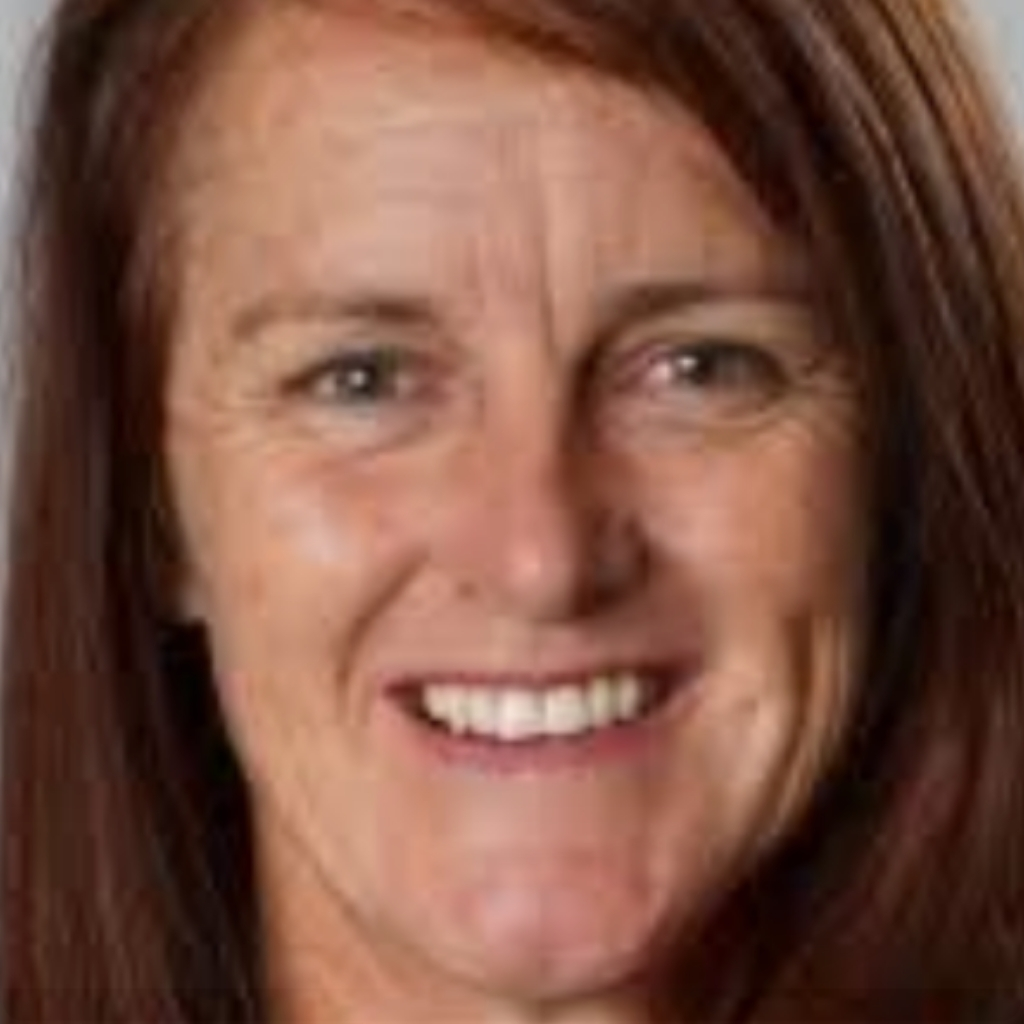 LIESL TESCH MP FOR GOSFORD WILL BLOCK YOU, IF YOU SUGGEST POLITICIANS SHOULD HAVE THEIR PAY CAPPED DURING LOCKDOWN.