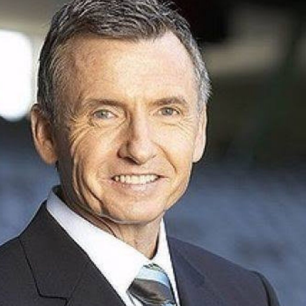 Bruce McAvaney Steps Down From AFL Commentry.